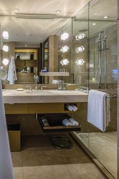 Grand Hyatt Hong Kong Hotel Review menstylefashion (1)