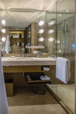 Grand Hyatt Hong Kong Hotel Review menstylefashion (1)
