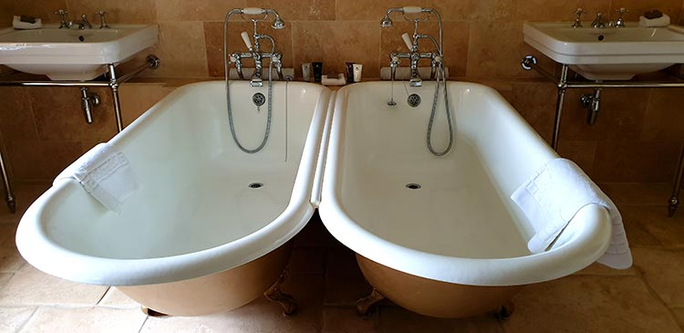 Bailiffscourt Hotel And Spa - Climping Twin bath tubs