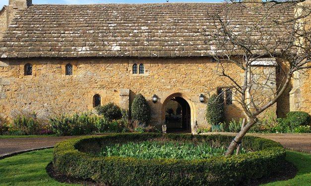 Bailiffscourt Hotel And Spa – Luxurious Retreat & Delightful Gardens