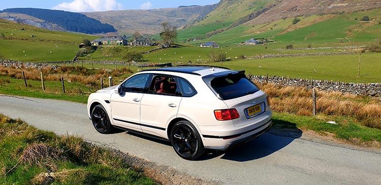 Bentley Bentayga V8 SUV MenStyleFashion (2)