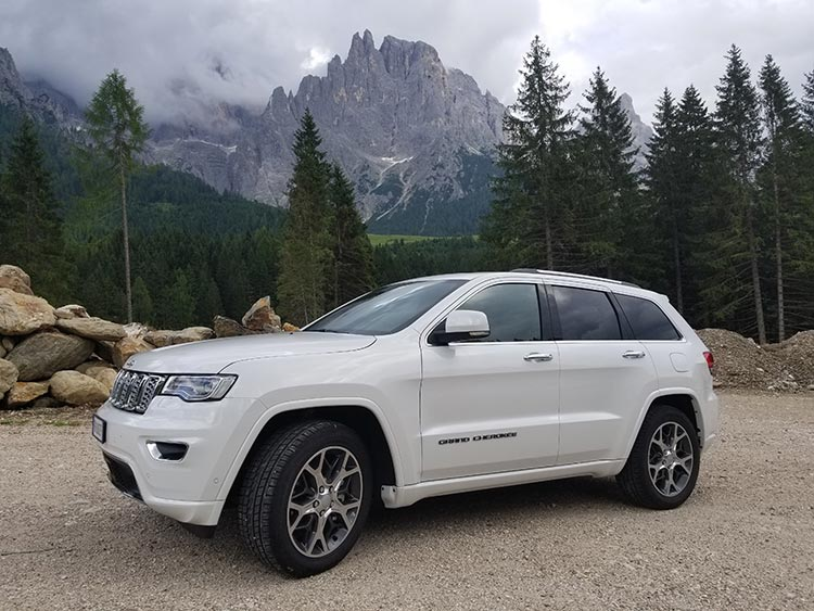 Connected Cars In Your SUV & Truck Car Rental – The Top 5 Reasons