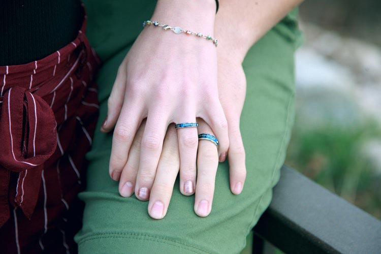 Getting Engaged – Should You Go Ring Shopping Together?