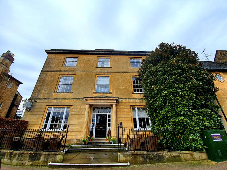 Chipping Campden Cotswold House Hotel Grade II listed Regency town house menstylefashion 2020 (22)