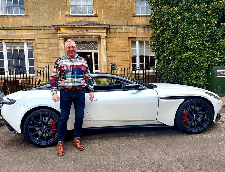 Aston martin 2020 DB11 menstylefashion (1)