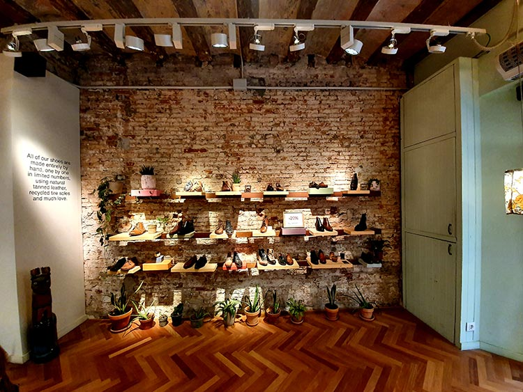 Caboclo handmade leather shoes El Born Barcelona Spain (2)