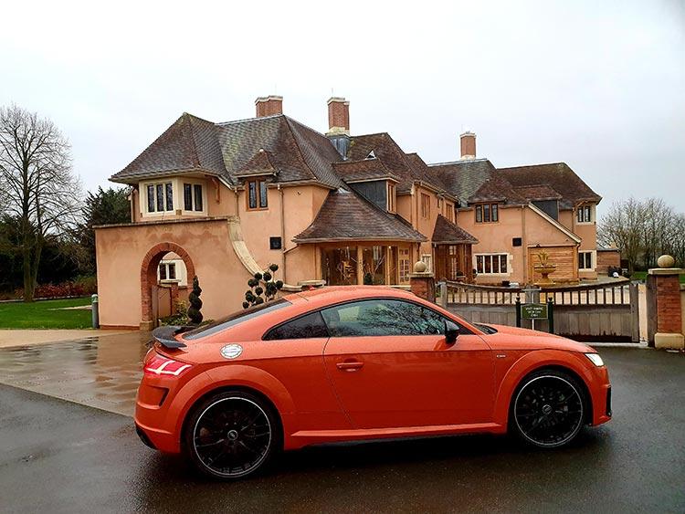 Audi TT pulse orange colour