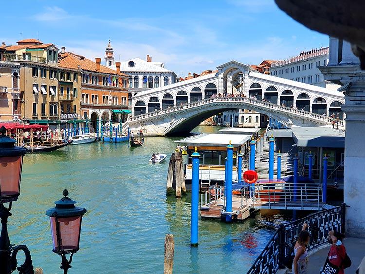Rialto Bridge Ego Boutique Hotel venice Grand Canal Rialto bridge 2020 (9)