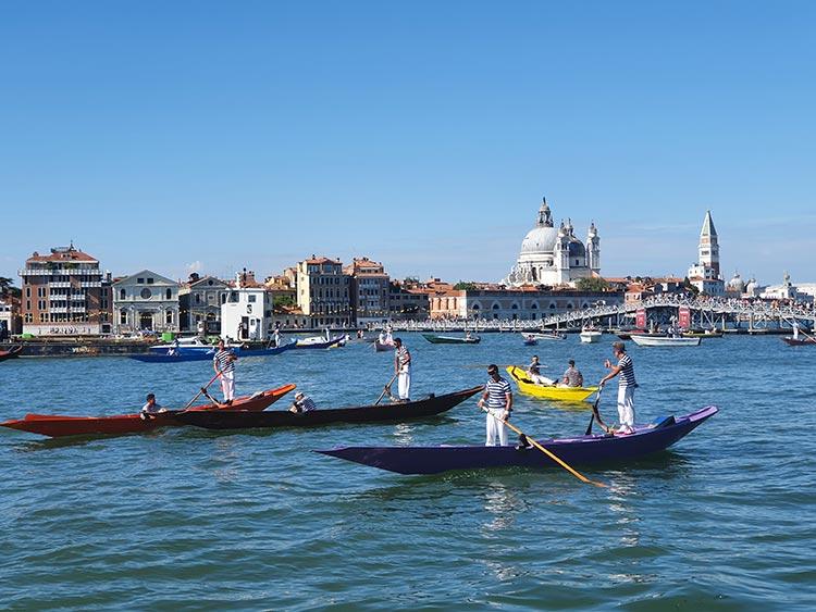 Festa delRedentore - Venice's Beautiful Gondola Race MENsTYLEFashion 2020 Italy summer (7)