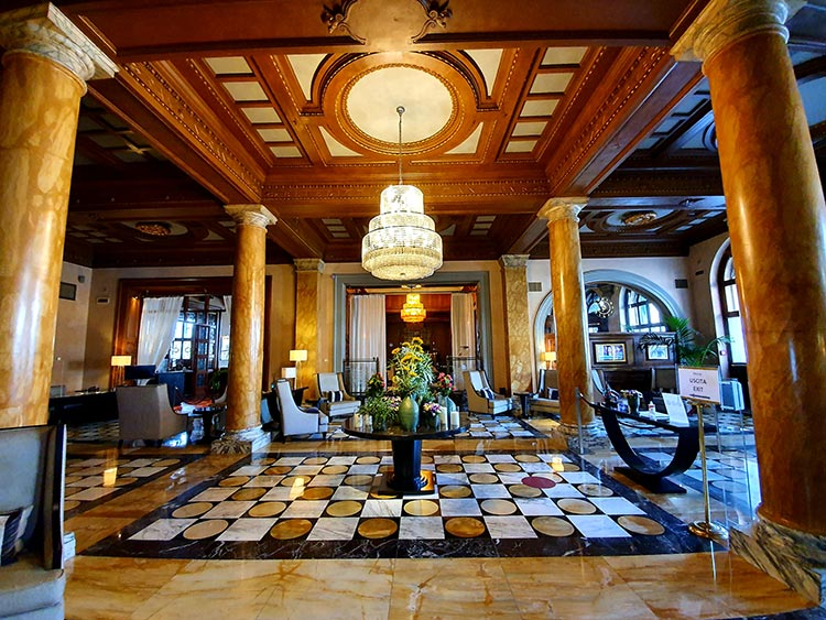 reception The Westin Excelsior Florence