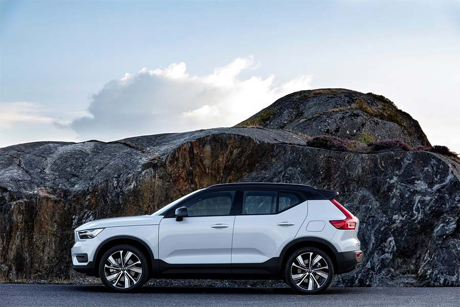 Volvo XC40 Recharge P8 AWD - First Ever Fully Electric Car