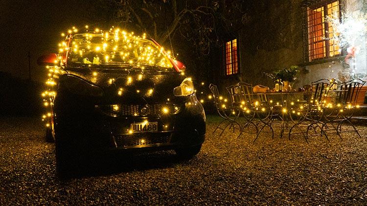 christmas lights tuscany menstyefashion 2020 smart car (1)