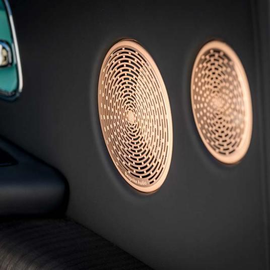 Rolls-Royce Dusk in Tokyo Speaker Grilles