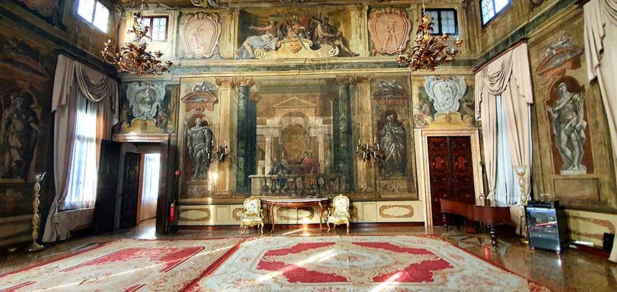 Ca'-Sagredo-Hotel--Vebtian-palazzo-italy--(1).jpg-ballroom-1