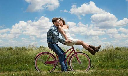 Essential Tips on Dating While Travelling