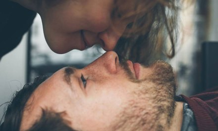 4 Subtle Signs That Your Partner Wants You to Get a Hair Transplant