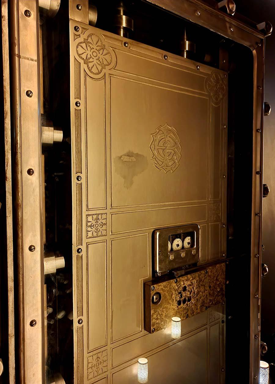 WBank vault doors AWAY Spa Amsterdam