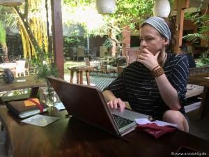 Jedenfalls wenn man fleißig seinen Bloggerpflichten nachgehen will. Aber an so einem Ort workflowed es sich quasi von alleine.