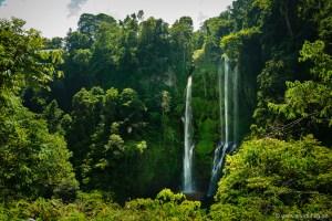 Die Sekumpul-Wasserfälle gelten als mit die schönsten auf Bali. Und schön sind sie. Aber auch nicht so schön einsam und gratis wie unser Haus-und-Hof-Wasserfall in Banyuatis.