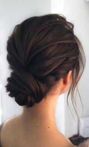 Recogido con cabello corto