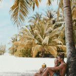 poses en pareja en la playa