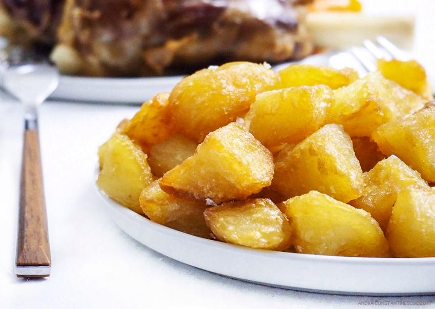 Retete de Craciun: cartofi la cuptor