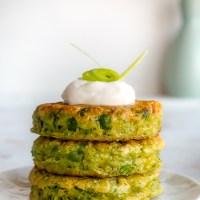 Chiftele vegetariene cu mazare si ceapa verde