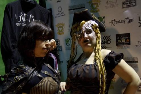 Piratesse steampunk - Cosplayer: Valentina Baldin (Tsuki Usagi) e Ilaria Barilla (TwiSearcher85)