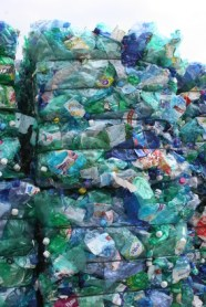 cubes de bouteilles plastique