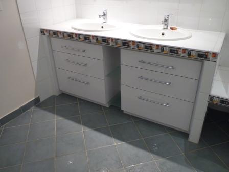 fabrication meuble salle de bain bois a