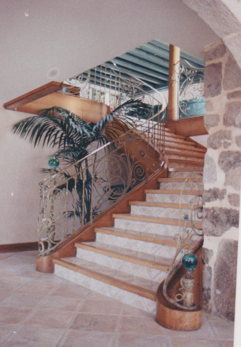 Habillage Escalier Beton En Bois Massif Menuiserie Sabot Escaliers