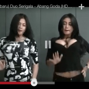 cuplikan goyang drible duo Srigala di video klip Abang Goda (youtube)