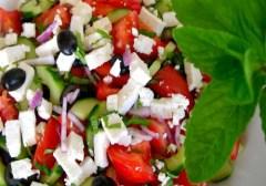 akdeniz-salatası-resimli-tarif