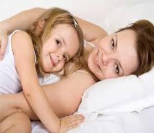 Anne-ve-çocuk-ilişkisi-nasıl-olmalı