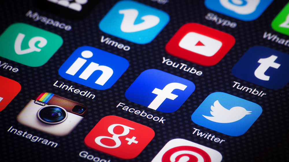 Top 10 Best Social Media Apps 2016-2017