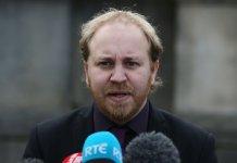 Steven Agnew quejándose del trato ofrecido a Irlanda del Norte
