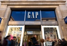 Fashion Store Gap