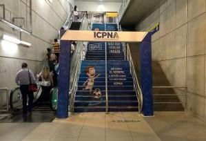 ICPNA se apodera de escalera en Estación Central del Metropolitano