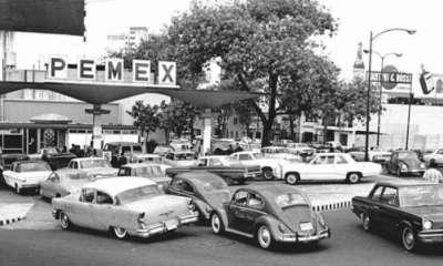 México retrocede en el tiempo y lanza 500 gasolineras 'vintage'
