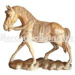 Cavallo scolpito a mano in legno di Suarn
