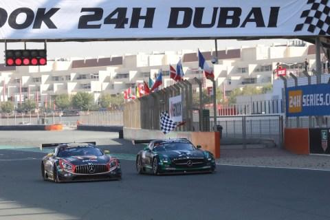 Jubiläum: Zehn Jahre Mercedes-AMG Customer Racing - GT-Erfolge made in Affalterbach Foto: Erster Renneinsatz des Mercedes-AMG GT3 bei den 24h Dubai 2016
