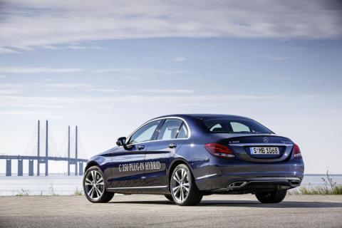 Mercedes_C_350_PLUG-IN_HYBRID___52