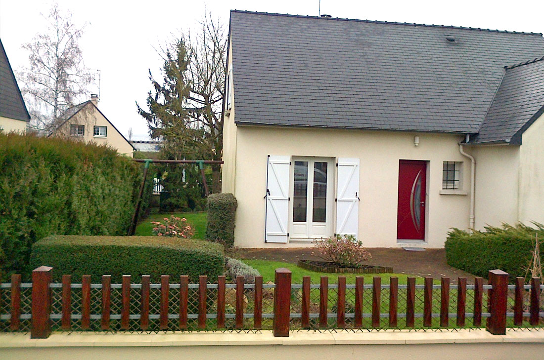 Amenager jardin devant maison amenager petit jardin for Amenagement jardin facade maison