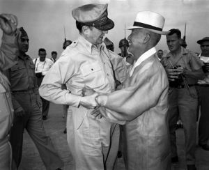 General Douglas MacArthur and South Korean leader Syngman Rhee