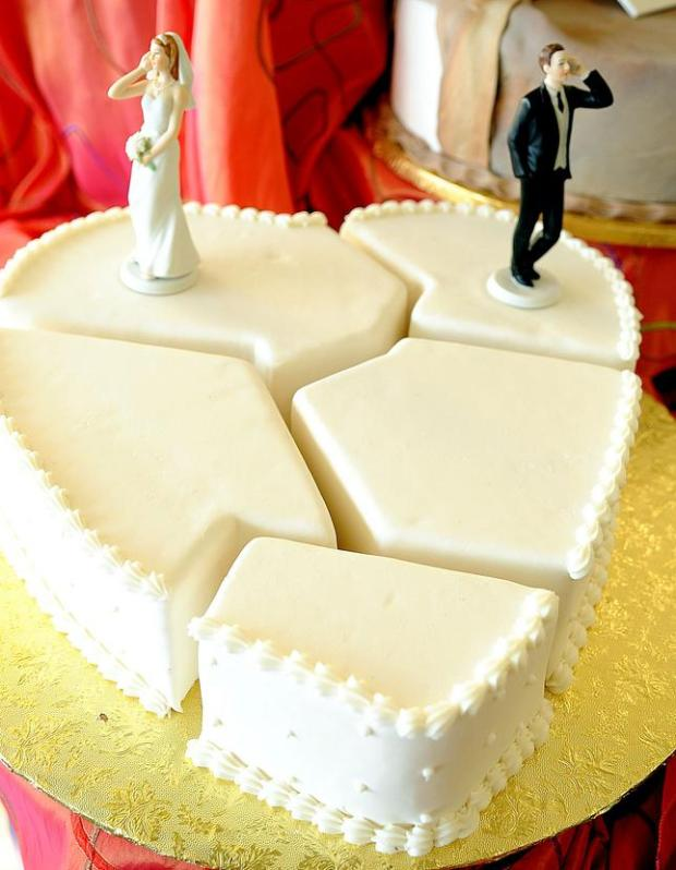 Broken heart cake from the Divorce collection. (Carline Jean/South Florida Sun-Sentinel/MCT)