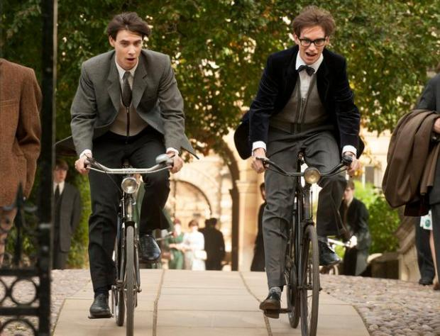 (L-R) Harry Lloyd as Brian and Eddie Redmayne as Stephen Hawking in 'The Theory of Everything.' (Liam Danie/Focus Features)