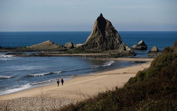 Martins Beach visitors won't be arrested, despite locked gates