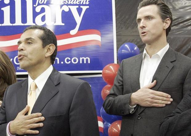 Antonio Villaraigosa and Gavin Newsom when they were mayors of, respectively, Los Angeles and San Francisco at a Clinton campaign event in 2008. (AP Photo/Reed Saxon)