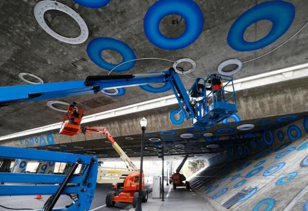 'Blue doughnuts' on underpass transformed into animated ...