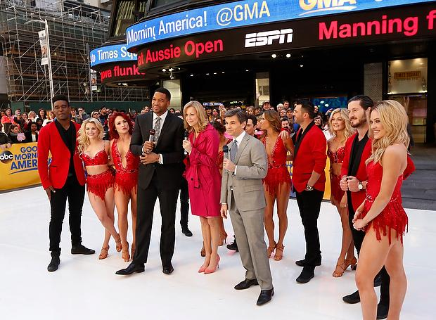 Michael Strahan, Lara Spencer, George Stephanopoulos and 'Dancing with the Stars' cast members during 'Good Morning America' on March 8, 2016 in New York.(ABC/Heidi Gutman)